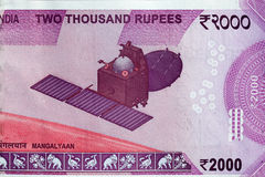 МАМА полета спутника Марса - Mangalyaan на индейце 2000 примечаний рупии Стоковое фото RF