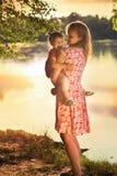 Мама с младенцем Стоковые Фото