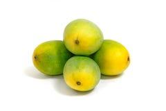 мангоы предпосылки белые Стоковые Фото