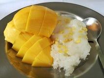 Манго & липкий рис стоковое фото rf