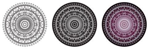 Мандала геометрии с повторенными треугольниками для книжка-раскраски и вашего дизайна сделайте по образцу кругом Стоковое фото RF
