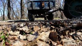 Маневры трактора сток-видео