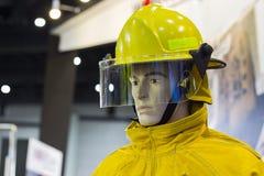 Манекены с костюмом пожаротушения; Личное оборудование защиты Стоковая Фотография RF