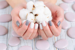 Маникюр knit тенденции зимы Стоковая Фотография RF