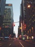 Манхаттан Нью-Йорк красивый всегда освещает дальше и никогда не спит Стоковое фото RF