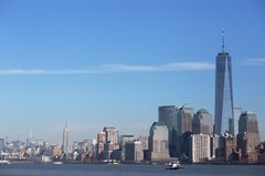 Манхаттан, один центр мировой торговли и Имперский штат Стоковые Фотографии RF