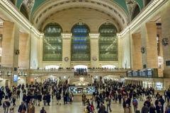 Манхаттан 15-ое декабря 2011 - люди идя в ЦЕНТРАЛЬНУЮ СТАНЦИЮ GRAN Стоковое фото RF