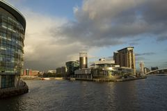 Манчестер, больший Манчестер, Великобритания, октябрь 2013, взгляд художественной галереи Lowry в Salford стоковая фотография rf