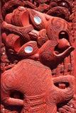 Маорийский деревянный высекать, Rotorua, Новая Зеландия - 11-ое ноября Стоковое Изображение RF