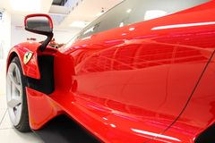 Маранелло, Италия - 03 26 2013: спортивные машины Феррари экспоната a музея в музее стоковые изображения rf