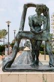 МАРБЕЛЬЯ, ANDALUCIA/SPAIN - 6-ОЕ ИЮЛЯ: Торжественный на статуе b окна стоковая фотография