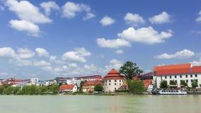 Марибор, Словения с одолженным районом, популярным портовым районом с посетителями и путешественниками сток-видео