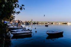 Марина и морской порт городка Cinarcik Стоковые Изображения