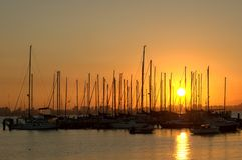 Марина над заходом солнца Стоковая Фотография