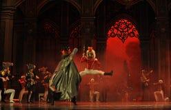 Марионетка и Щелкунчик балета боя- мыши Стоковое Фото
