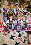 Марионетки кукол Мадьяра Raditional в костюме людей (традиционной венгерской одежде) в рынке Будапешта большом Стоковые Изображения RF