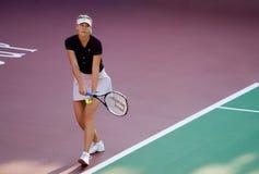 Мария Sharapova служа игра Стоковая Фотография