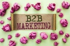Маркетинг текста B2B сочинительства слова Концепция дела для дела к коммерции торговых операций дела написанной на картоне p Стоковое Изображение
