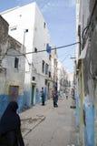 Марокканськое перемещение узкая улица Стоковая Фотография
