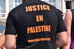 Марсели, Франция - 9-ое августа 2014: Сбор протестующего во время демонстрации стоковые фотографии rf