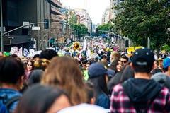 Март для нашего марша ` s движения жизней в городском Лос-Анджелесе Стоковое Фото