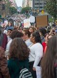 Март для нашего марша ` s движения жизней в городском Лос-Анджелесе Стоковая Фотография