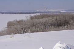 марш Снег сверкнает Банк Волга Стоковые Изображения