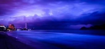 Масатлан, Мексика, только перед восходом солнца Стоковое фото RF