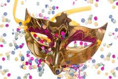 Маска и confetti масленицы Стоковая Фотография