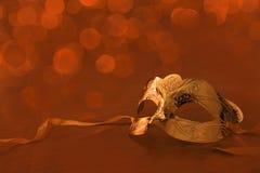 Маска масленицы год сбора винограда золотистая Стоковое Изображение RF