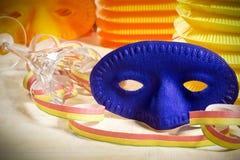 маска масленицы серая изолированная Стоковые Изображения RF