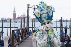 Маска Carneval в Венеции - венецианском костюме Стоковая Фотография