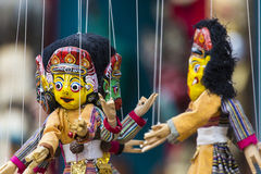 Маски, куклы и сувениры в улице ходят по магазинам на квадрате Durbar в Ka Стоковые Фотографии RF