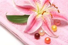 масло лилии ванны шариков Стоковые Изображения
