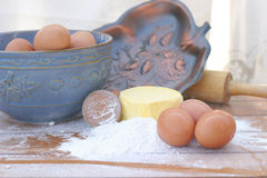 масло eggs завальцовка штыря муки Стоковые Фото