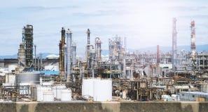 Масляный бак фабрики нефти в Осака Японии Стоковые Изображения