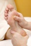массаж в 2 ноги Стоковое Фото