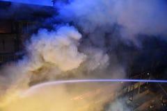 Массивнейший огонь на рынке оптовой продажи Kolkata стоковое изображение rf