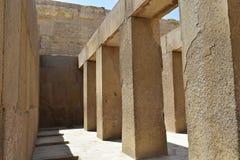 Массивные штендеры в виске долины Khafre на Гизе, Египте стоковые изображения