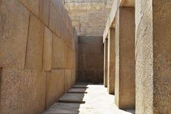 Массивные штендеры в виске долины Khafre на Гизе, Египте стоковое изображение
