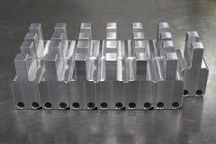 Массив изготовления алюминиевый на таблице нержавеющей стали Стоковое Изображение