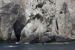 Массив утеса с пещерой Стоковая Фотография RF