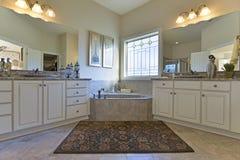 Роскошная мастерская ванна Стоковое Фото