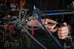 Мастерские ремонты велосипеда в мастерской 7 Стоковое Изображение RF
