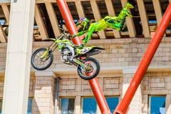 Мастеры выставки FMX фристайла Moto Москва, 26-ое июля 2014 Стоковые Изображения RF