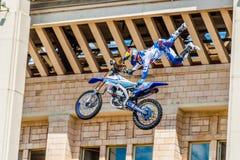 Мастеры выставки FMX фристайла Moto Москва, 26-ое июля 2014 Стоковое Фото