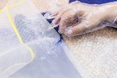 Мастер извлекает сетку из волокон пресс стоковые изображения rf