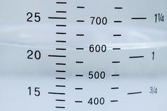 масштаб измеряя чашки Стоковая Фотография