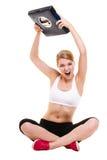 Масштаб сердитой женщины веся Уменьшение потери веса Стоковые Изображения RF
