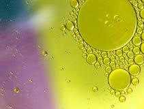 Масло в предпосылке конспекта воды Стоковая Фотография RF